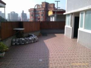 台北市稀有一樓10坪花園獨立大套房出租.環境安靜.近捷運公車站.