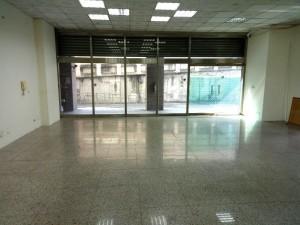 中山橋旁三角窗店辦-龍邑不動產